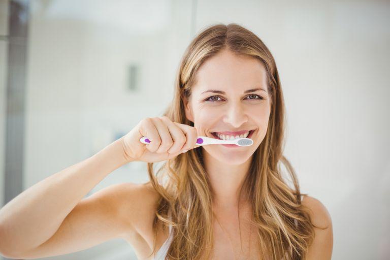 Έξι συνηθισμένα λάθη που κάνουμε στο βούρτσισμα των δοντιών   vita.gr