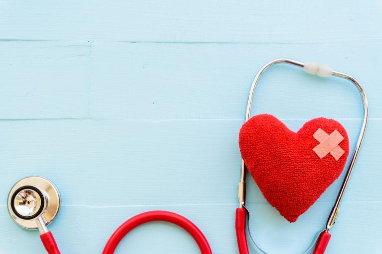 Τα συμπτώματα που μπορεί να μαρτυρούν καρδιακή πάθηση | vita.gr
