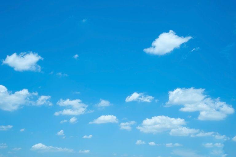 Καιρός: Αίθριος με ανέμους και λίγη συννεφιά | vita.gr
