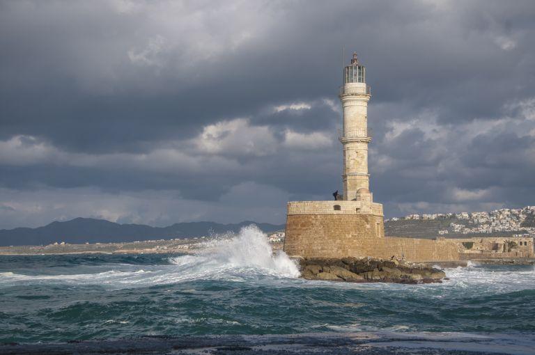Νέα πτώση της θερμοκρασίας – Βροχές, καταιγίδες και τσουχτερό κρύο | vita.gr
