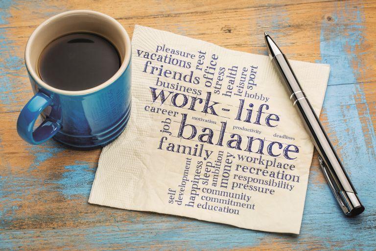Πώς θα βρείτε τις ισορροπίες μεταξύ προσωπικής ζωής και δουλειάς | vita.gr