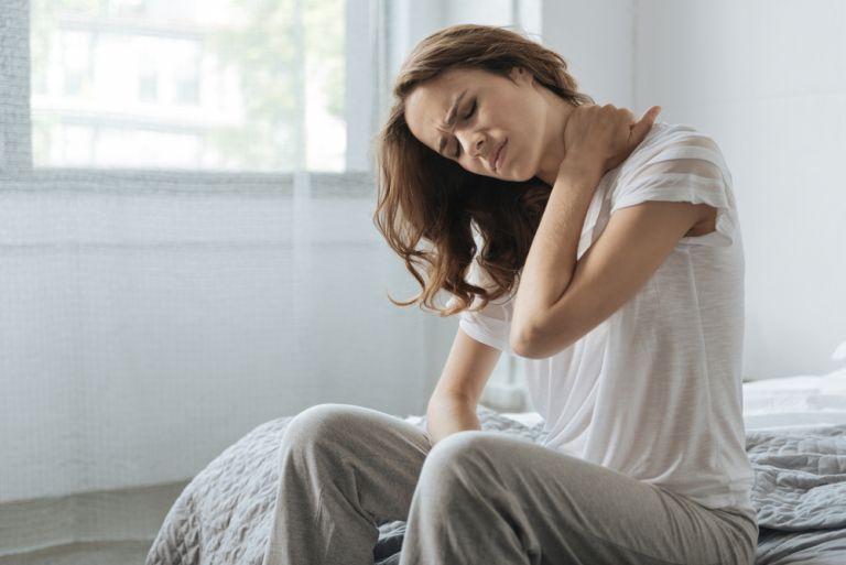 Ανακουφιστείτε από τον πόνο στον αυχένα με τη βοήθεια της γιόγκα | vita.gr