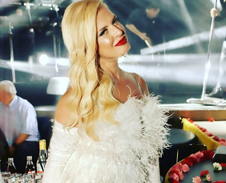 Μαρίνα Πατούλη : Τα «έσπασε» ο Περιφερειάρχης στα μπουζούκια για τα γενέθλιά της   vita.gr