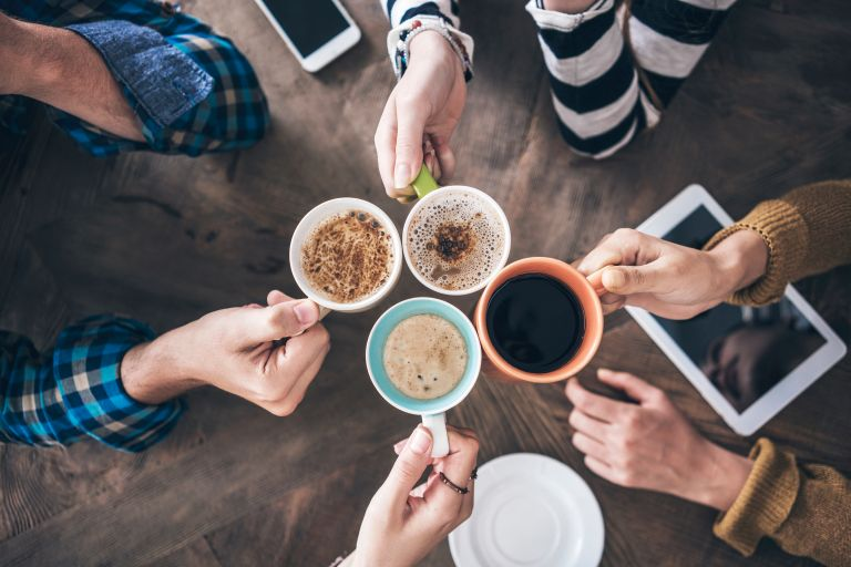 Πώς επηρεάζει η καφεΐνη την υγεία μας; | vita.gr
