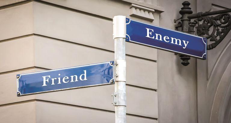 Friendenemies: Ξεχωρίζοντας τους πραγματικούς μας φίλους | vita.gr