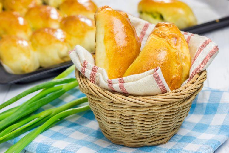 Πιροσκί με γέμιση από πουρέ πατάτας | vita.gr