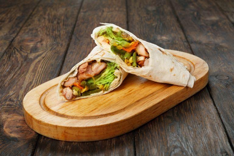 Μεξικάνικα burritos με κοτόπουλο | vita.gr