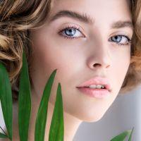 Οι απρόσμενοι παράγοντες που γερνούν το δέρμα μας