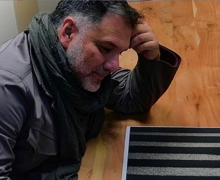 Γρηγόρης Αρναούτογλου : Μόνο με χιούμορ θα αντέξουμε τον εγκλεισμό | vita.gr