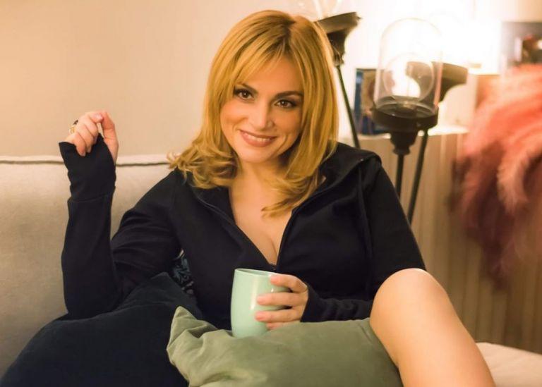 Ελεωνόρα Ζουγανέλη : Με κρατάει από το χέρι τις ώρες που λυγίζω | vita.gr