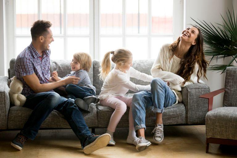 Πώς μπορούν να διασκεδάσουν τα παιδιά στο σπίτι; | vita.gr