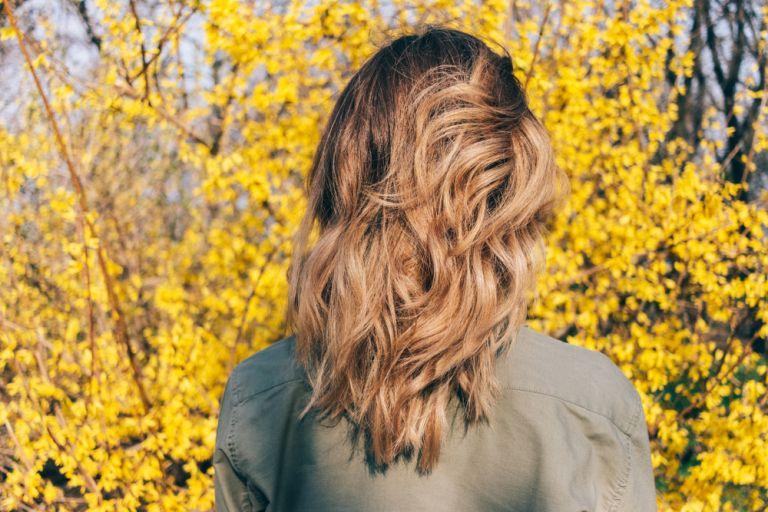 Πέντε βήματα για να σώσετε τα ξηρά μαλλιά σας | vita.gr