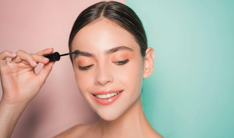 Γίνετε brow expert με έξι κινήσεις | vita.gr