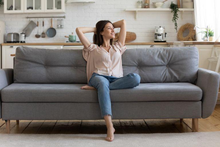 Μένουμε σπίτι: Πώς μπορούμε να διατηρήσουμε την καλή μας διάθεση; | vita.gr