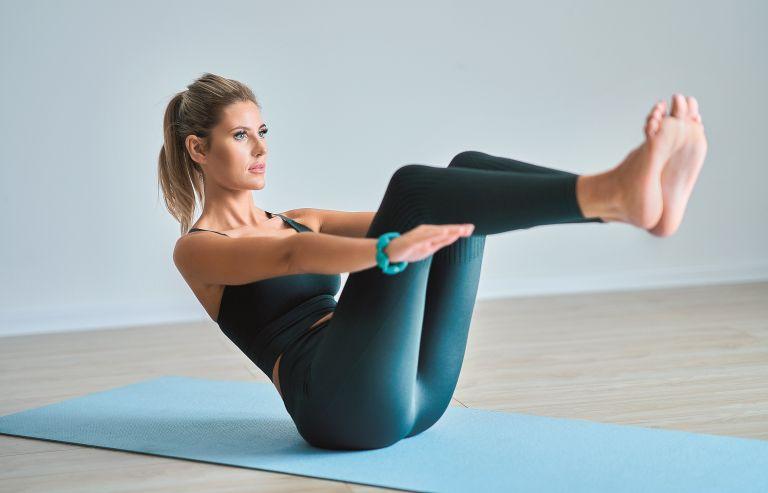 Γιόγκα: Ασκήσεις ενδυνάμωσης για όλο το σώμα | vita.gr