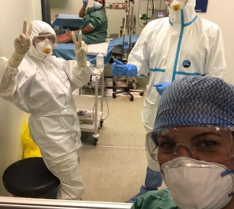 Κοροναϊός: Οι συγκινητικές εικόνες από τον πρώτο τοκετό γυναίκας θετικής στον ιό | vita.gr