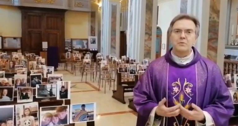 Κοροναϊός : Ιερέας τελεί λειτουργία σε εκκλησία γεμάτη… με φωτογραφίες πιστών | vita.gr