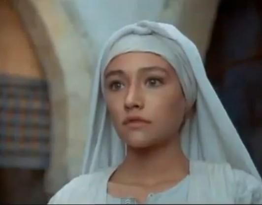 Η τηλεοπτική Παναγία στέλνει το δικό της μήνυμα για το Πάσχα | vita.gr