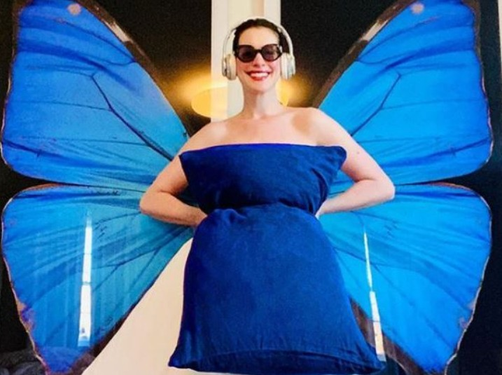 Pillow Challenge: Οι σταρ στην καραντίνα φορούν… μαξιλάρια | vita.gr
