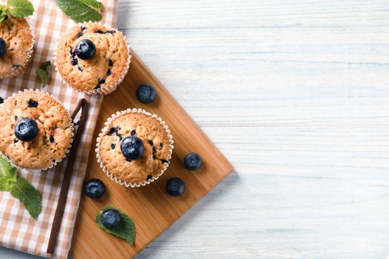 Σπιτικά muffins με μύρτιλα | vita.gr