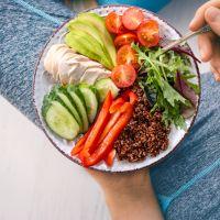 Διατροφικές συμβουλές για να μείνετε υγιείς κατά τη διάρκεια της καραντίνας