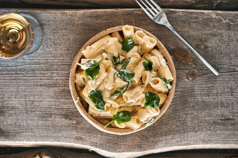 Πένες με σάλτσα γιαουρτιού | vita.gr