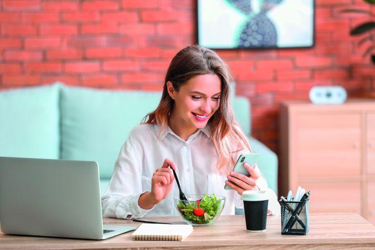 Μπορεί η διατροφή να μας προστατέψει από τον κοροναϊό; | vita.gr