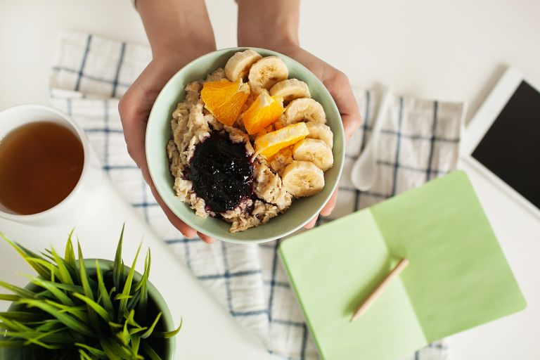 Πέντε βήματα για να βελτιώσετε τη διατροφή σας στην καραντίνα | vita.gr