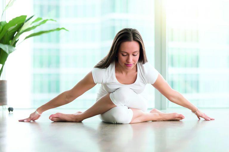 Γιόγκα για αναζωογόνηση του σώματος και του μυαλού | vita.gr