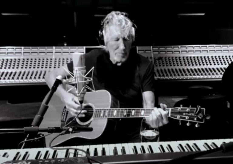 Ρότζερ Γουότερς: Ερμηνεύει το «Mother» των Pink Floyd σε εκδοχή καραντίνας | vita.gr
