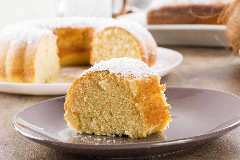 Εύκολη συνταγή για κέικ καρύδας σε τρία βήματα | vita.gr