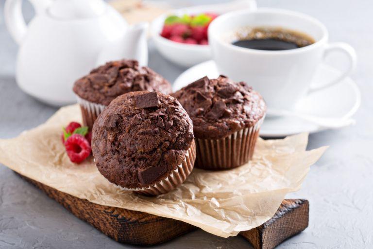 Σοκολατένια muffins με τρία υλικά | vita.gr