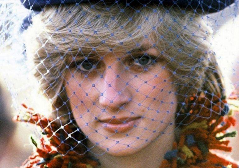 Πριγκίπισσα Νταϊάνα : Ο λόγος που έβγαινε «άψογη» στον φωτογραφικό φακό | vita.gr