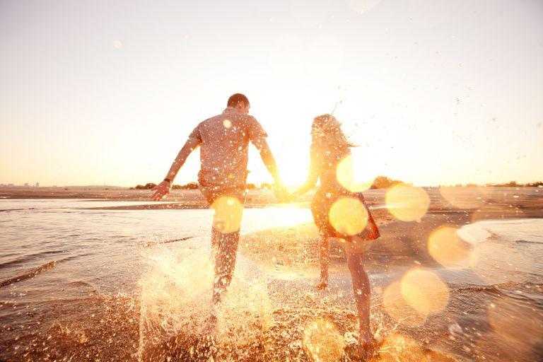 Πώς επηρεάζει η προσωπική ζωή την υγεία μας; | vita.gr