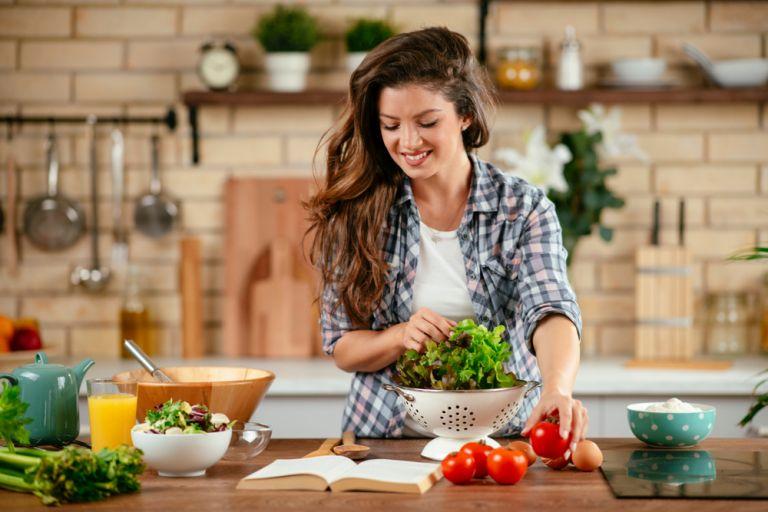 Απλά βήματα για να υιοθετήσετε μια υγιεινή διατροφή   vita.gr