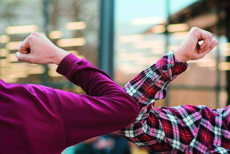 Κοροναϊός: Πότε θα αγκαλιαστούμε ξανά χωρίς φόβο | vita.gr