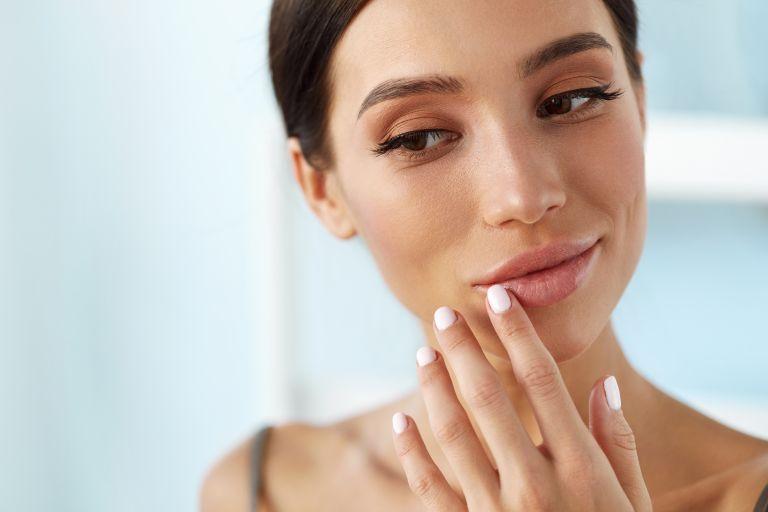 Tips για να σταματήσετε να δαγκώνετε τα χείλη σας | vita.gr