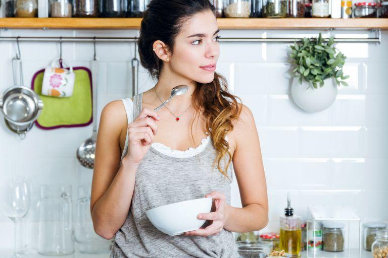Ποιες τροφές ενισχύουν την καλή λειτουργία του εγκεφάλου;   vita.gr