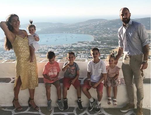 Ολυμπία Χοψονίδου: Η τρυφερή φωτογραφία με τα παιδιά της από τις οικογενειακές διακοπές | vita.gr