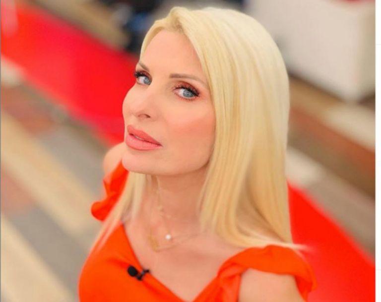 Βαθιά συγκινημένη η Ελένη Μενεγάκη για το τέλος της εκπομπής | vita.gr