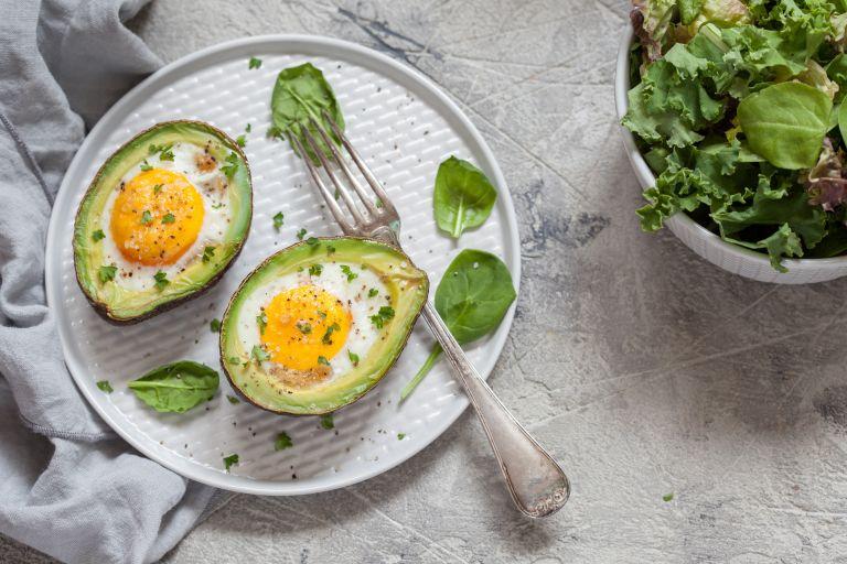 Θρεπτικό πρωινό: Αβοκάντο με αυγό | vita.gr