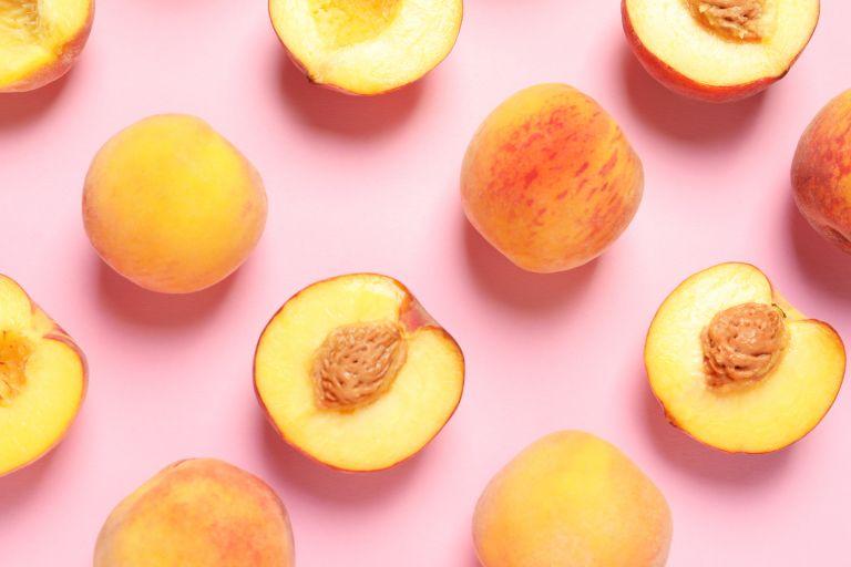 Ροδάκινο: Το ιδανικό φρούτο για την παραλία | vita.gr