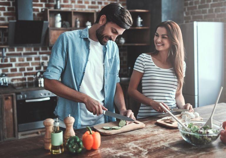 Οι τροφές που σαμποτάρουν τον ύπνο μας | vita.gr