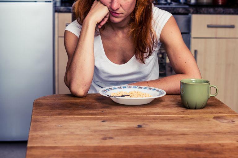 Το άγχος σας «κόβει» την όρεξη; Έτσι θα το διαχειριστείτε | vita.gr