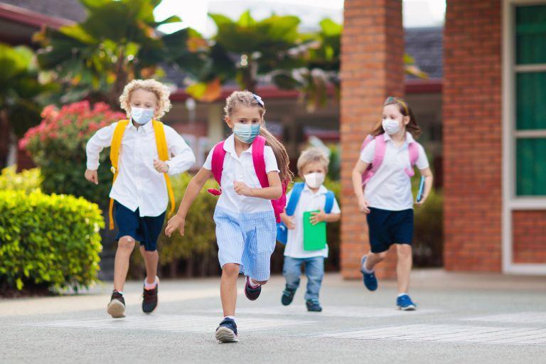 Σχολεία: Πότε θα ανοίξουν – Θα φοράνε μάσκα οι μαθητές; | vita.gr