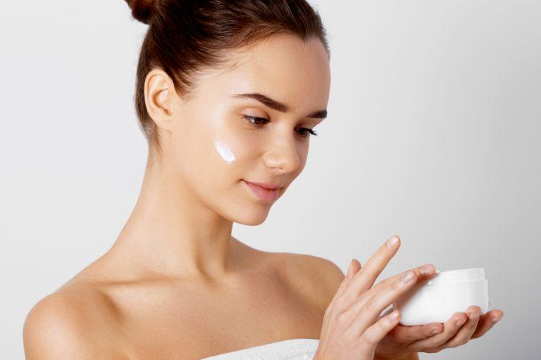 Ευαίσθητο δέρμα: Όσα πρέπει να γνωρίζετε για την περιποίησή του | vita.gr