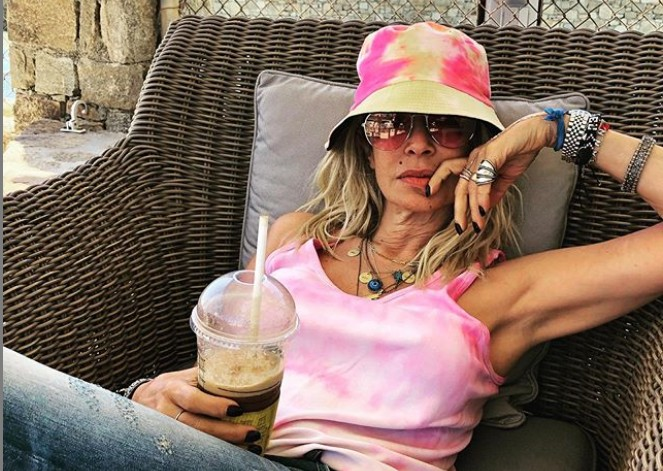 Άννα Βίσση : Διασκεδάζει με τον εγγονό της και «ρίχνει» το Instagram | vita.gr