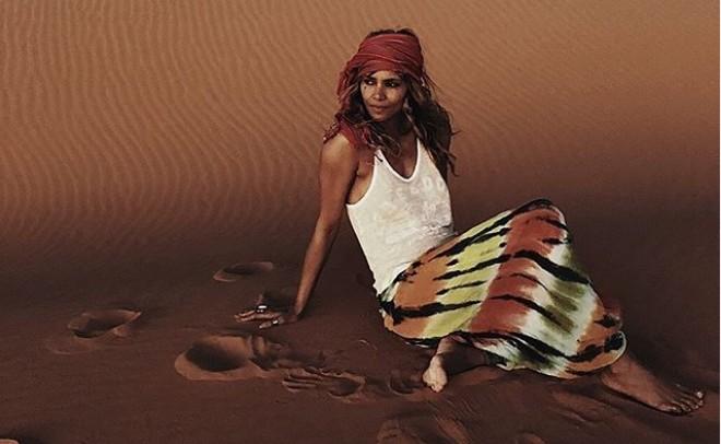 Χάλι Μπέρι : Εντυπωσιάζει με το καλλίγραμμο σώμα της | vita.gr