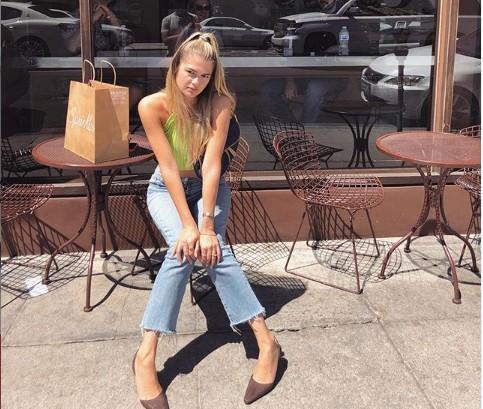 Το χαμόγελο της Αμαλίας Κωστοπούλου στην πρώτη της βόλτα μετά το ατύχημα | vita.gr