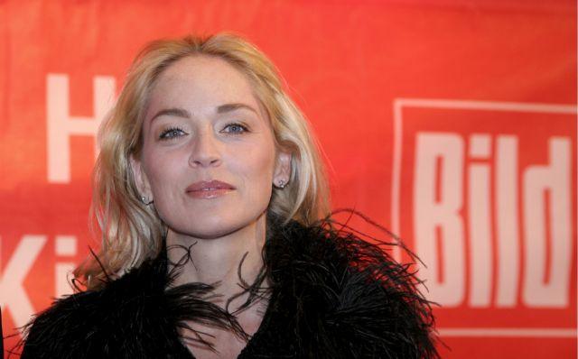 Σάρον Στόουν : Το δημόσιο μήνυμα για τον κοροναϊό – «Θύμα» η αδελφή της | vita.gr